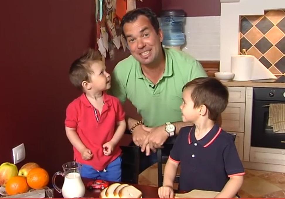Māris Grigalis ar dēliem – Kristeru un Mārci.