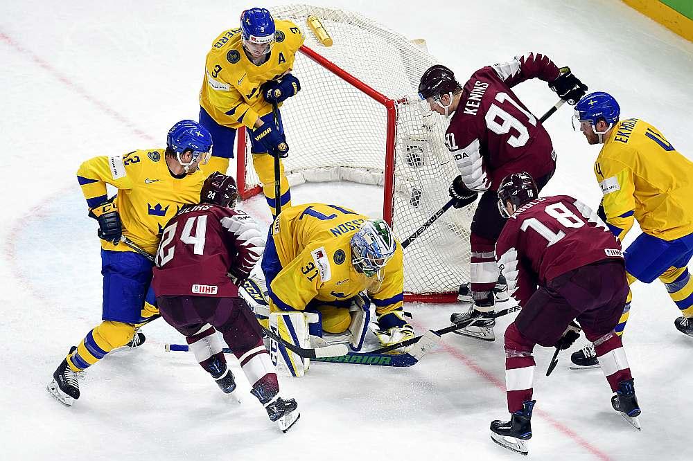 Latvijas un Zviedrijas hokeja izlašu spēle.