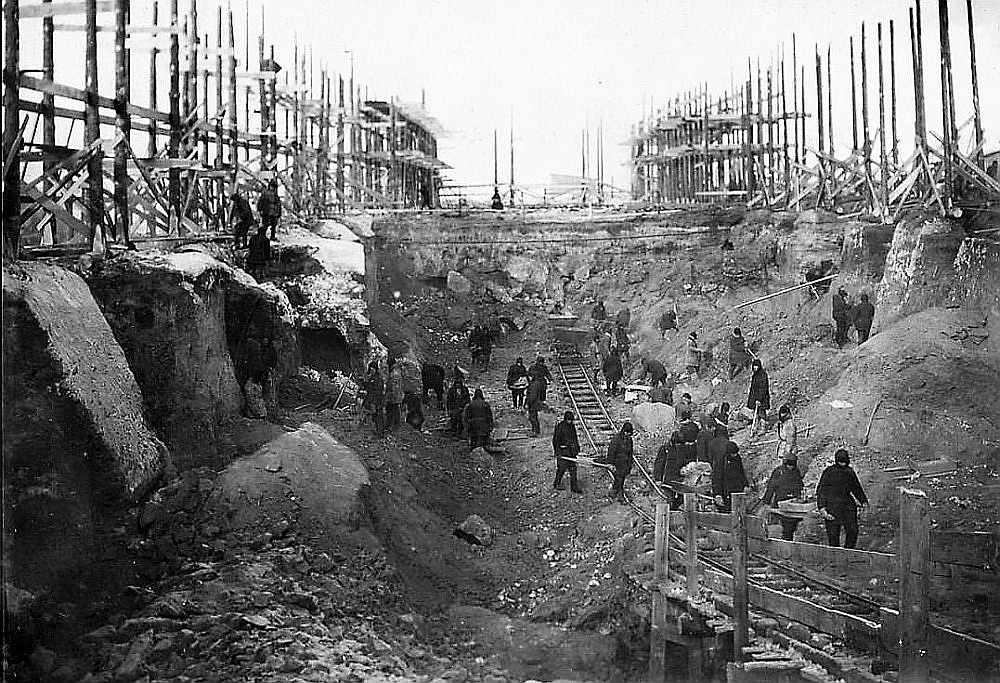 Pirmā PSRS atomreaktora būvbedre.