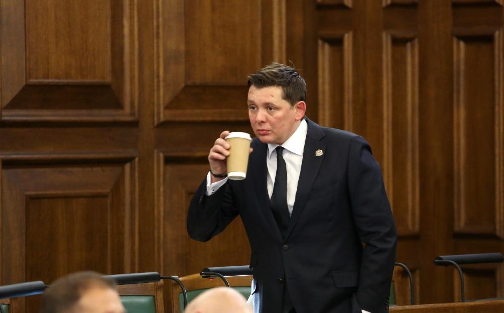 Saeimas deputāts Artuss Kaimiņš izdots kriminālvajāšanai, 20.06.2018.