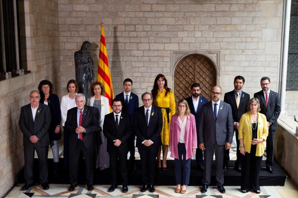 Zvērestu nodevusi jaunā Katalonijas valdība, kas pavērs ceļu Madrides tiešās pārvaldes izbeigšanai reģionā, 02.06.2018.