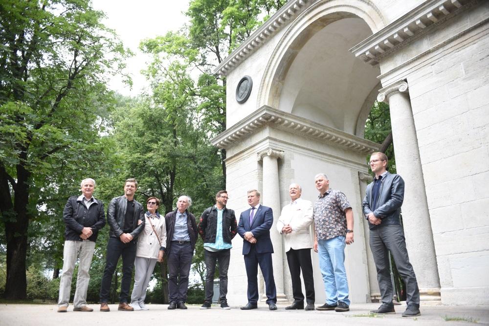 Viesturdārzā Rīgā restaurēta Aleksandra Triumfa arka, ko atklāja 29.06.2018.
