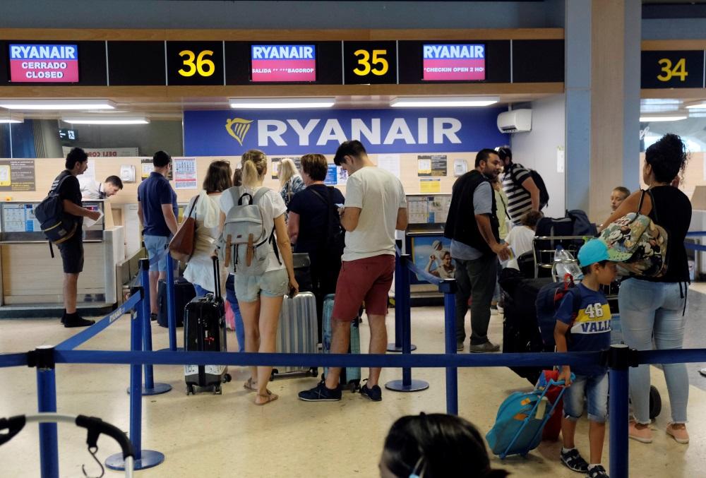 """""""Ryanair"""" aviokompānija streiko arī Spānijā, 25.07.2018."""