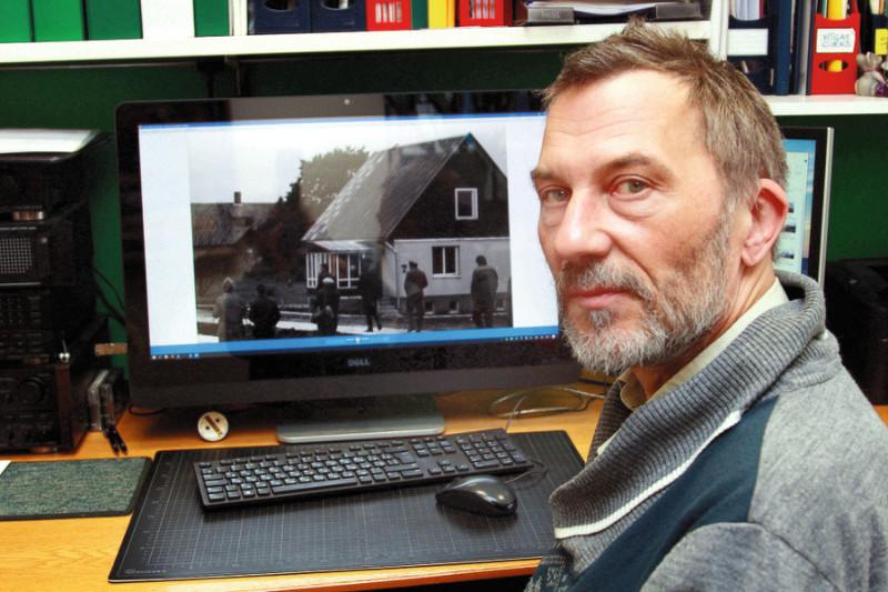 """Arhitekts Aivars Zavadskis mūsdienās vada uzņēmumu """"ADZ birojs"""", bet 70.– 80. gadu mijā viņa uzdevums bija gatavot projektus Līvānu mājām: """"Līvānietes sāka būvēt tāpēc, ka Latvijas PSR laukiem steidzīgi vajadzēja apdzīvojamās platības, kas bija ātri uzslienamas."""""""