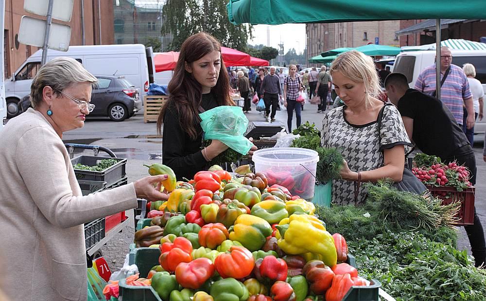 Dārzeņu stends Rīgas Centrāltirgū.