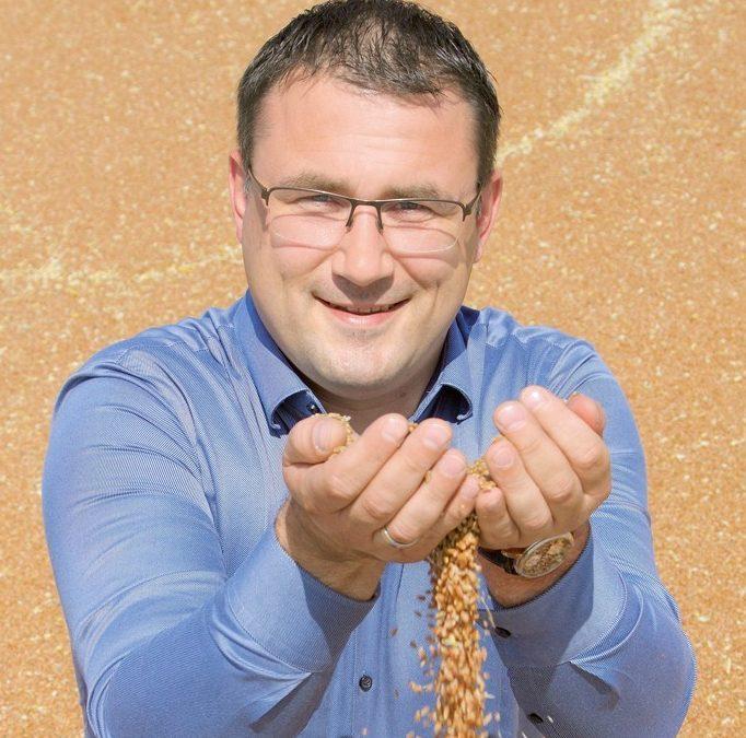 """""""Dobeles dzirnavnieks"""": pirmie pieņemtie graudi ir augstas kvalitātes"""