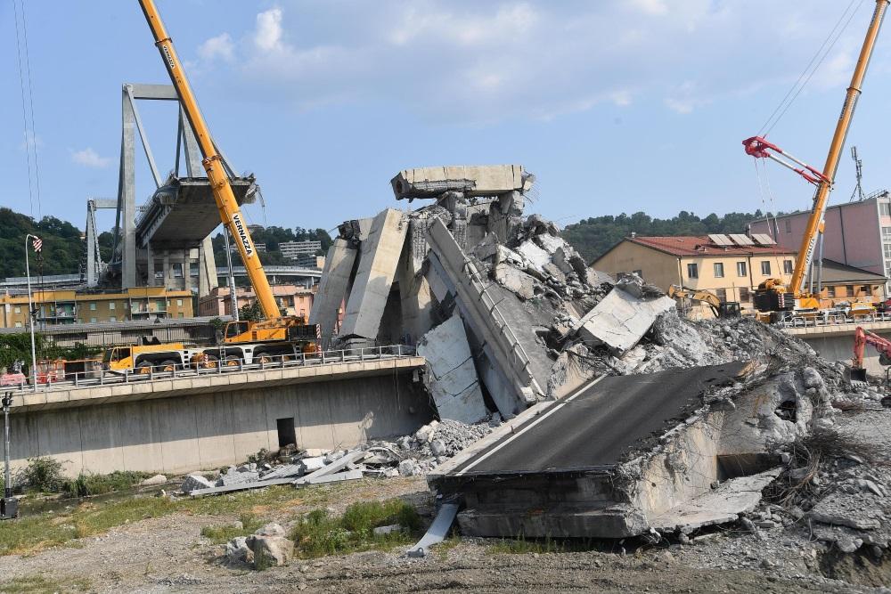 Sabrukušais Dženovas tilts Itālijā, 19.08.2018.