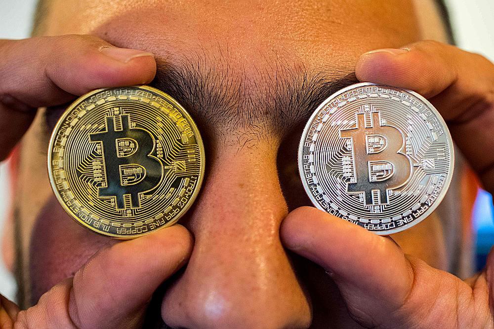 Apmēram 500 pasaulē pastāvošo virtuālo valūtu kopējā tirgus vērtība ir salīdzinoši niecīga – 3,3 miljardi eiro. Tas ir vairāk nekā 1600 reižu mazāk par pasaules tirgū izlaisto eiro daudzumu.