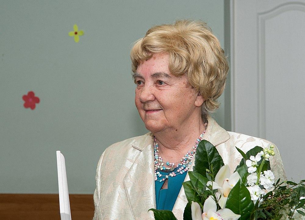 Janīna Rakovska-Vaļuma deviņdesmitajā dzimšanas dienā.