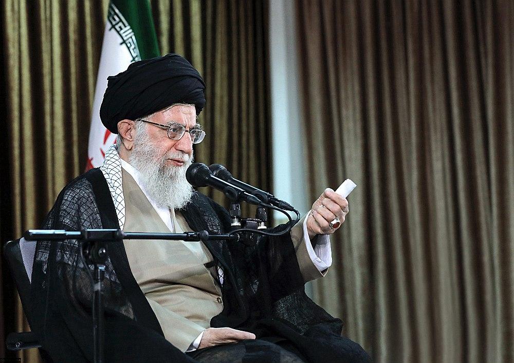"""""""Sarunas ar ASV mums pavisam noteikti kaitēs un ir aizliegtas,"""" uzsvēra ajatolla Ali Hameneji."""