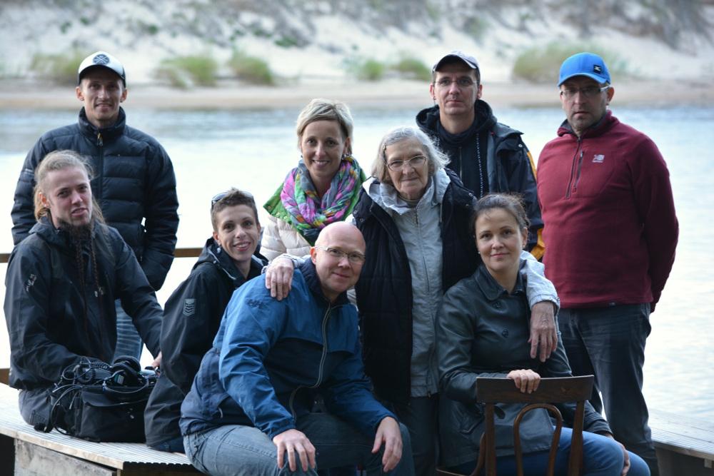 """Lidija Doroņina-Lasmane kopā ar filmas """"Lidija"""" uzņemšanas komandu."""