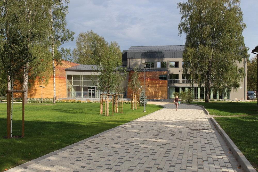 """Pēdējos gados daudzviet Latvijā kultūras centri atdzimuši jaunā kvalitātē. Arī Siguldas """"Devons""""."""
