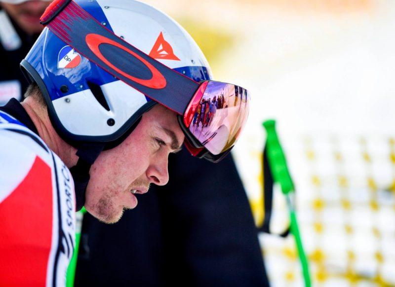 Titulētais Kanādas kalnu slēpotājs Ēriks Guajs pēc nelaimes gadījuma ar komandas biedru lēmis likt punktu karjerai.