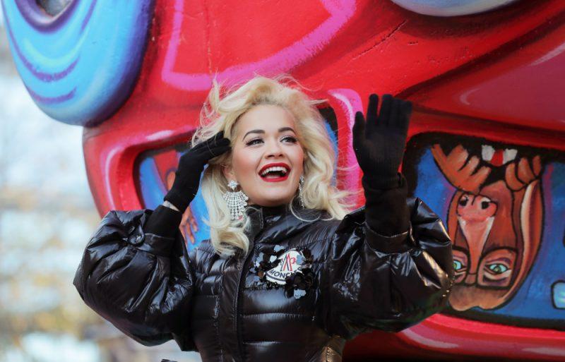 Britu dziedātāja, dziesmu autore un aktrsie Rita Ora.