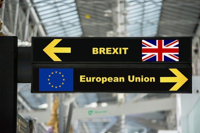 """Aviācijas nozare gatavojas ļaunākajam """"Brexit""""scenārijam."""