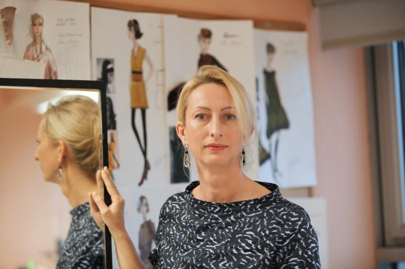 Pēc trīs gadu pārtraukuma, kad Ilze Vītoliņa piedalījās savas pirmās pilnmetrāžas animācijas filmas veidošanā, viņa ir atgriezusies skatuves mākslas kostīmu pasaulē.