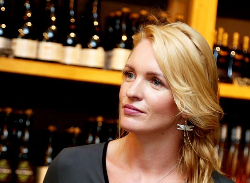 """""""Abavas vīna darītavas"""" īpašniece Liene Barkāne."""