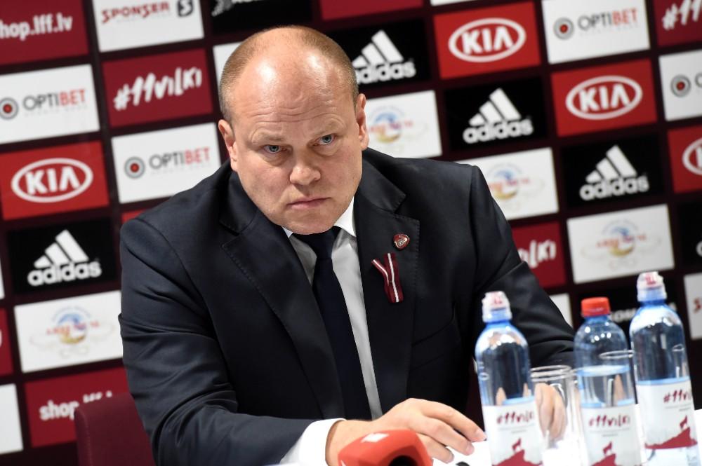 Latvijas futbola izlases galvenais treneris Miksu Pātelainens.