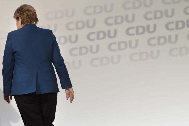 Vācijas kanclere Angela Merkele piektdien, atstājot Kristīgo demokrātu (CDU) vadītājas amatu,