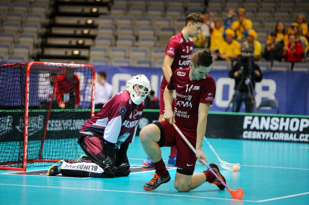 Latvijas florbolisti pasaules čempionāta ceturtdaļfināla spēlē pret Zviedriju piedzīvoja pamatīgu sagrāvi.