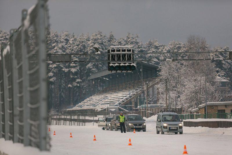 Ceļu satiksmes drošības direkcija (CSDD) aicina autovadītājus pieteikties bezmaksas drošas ziemas braukšanas konsultācijām Rīgā, Biķernieku trasē.