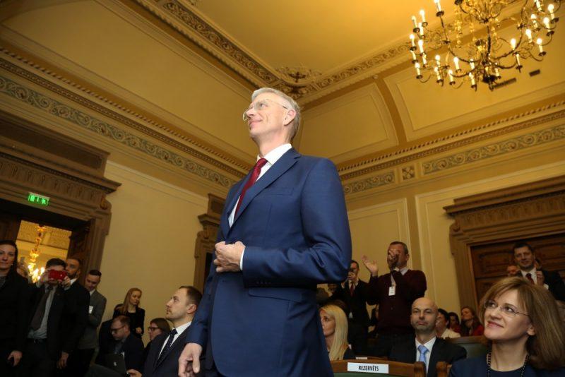 Jaunievēlētais Ministru prezidents Krišjānis Kariņš pēc balsojuma Saeimas ārkārtas sēdē, kurā deputāti izteica uzticību premjera kandidāta izveidotajam Ministru kabinetam, 23.01.2019..
