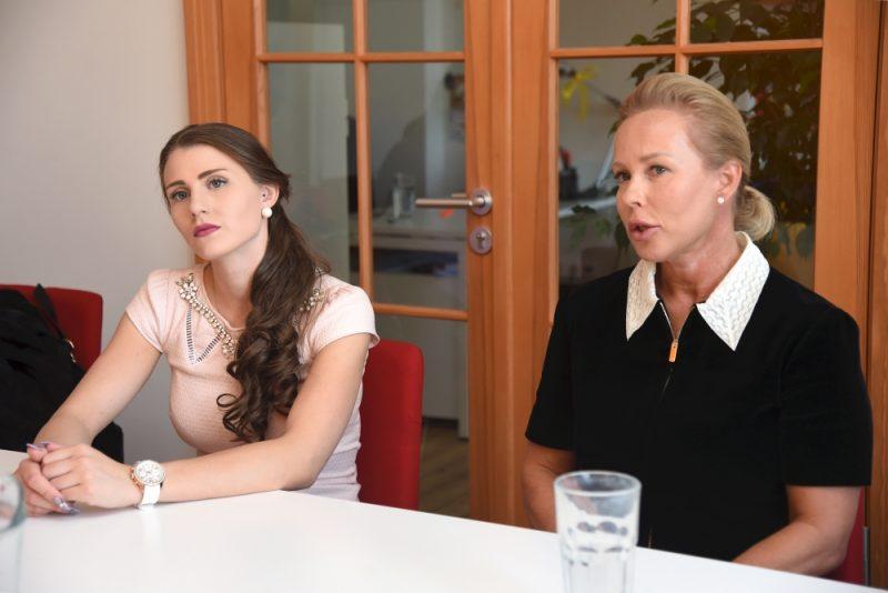 Valērija Maligina mantiniece Nika Saveļjeva un Signe Baldere-Sildedze, meitas Annas Emīlijas Maliginas māte un dabiskā aizbildne (kopā – mantinieču vairākums).