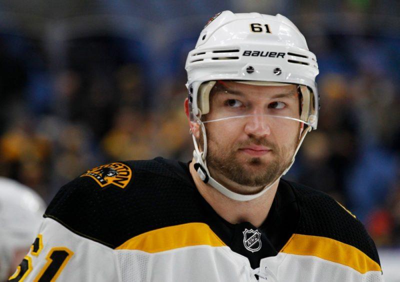 Riks Nešs veselības problēmu dēļ 34 gadu vecumā spiests likt punktu hokejista karjerai.