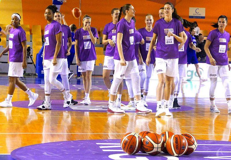"""""""TTT Rīgas"""" basketbolistes."""