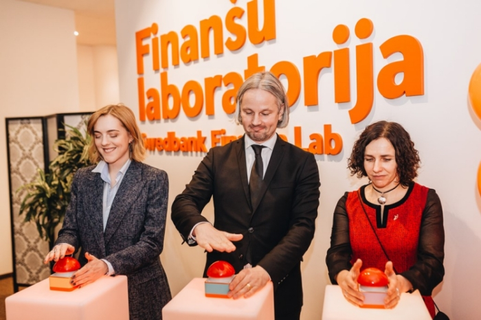 """""""Swedbank"""" centrālajā ēkā radīta bezmaksas interaktīva ārpusskolas izglītības vieta bērniem no visas Latvijas – Finanšu laboratorija."""