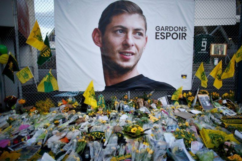 Piemiņas vieta lidmašīnas katastrofā bojā gājušajam futbolistam Emiliano Salam.
