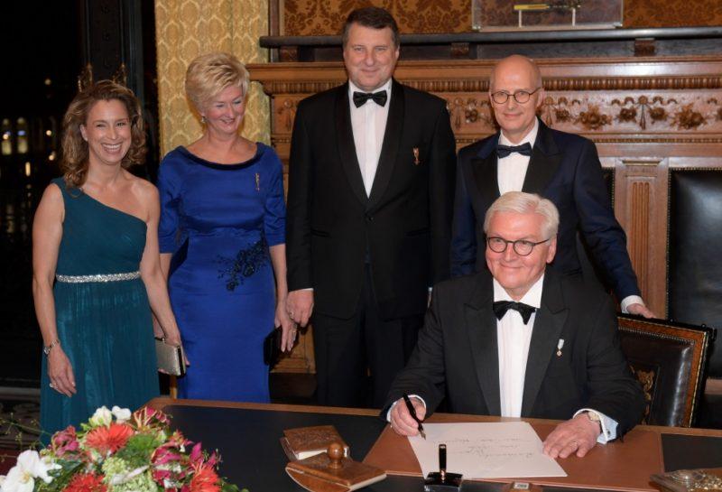 Valsts prezidents Raimonds Vējonis ar kundzi Ivetu vizītē Vācijā.