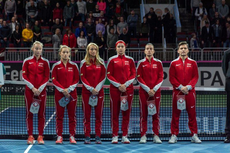 Latvijas sieviešu tenisa izlasei, kuras kapteinis ir Adrians Žguns, aprīlī būs jācīnās pret Vācijas tenisistēm.