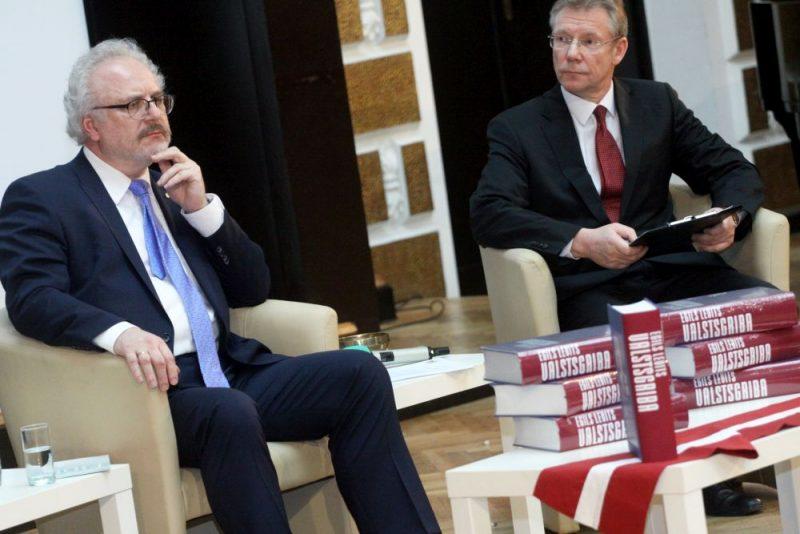 """Egila Levita grāmatas """"Valstsgriba. Idejas un domas Latvijai 1985-2018"""" atvēršana."""