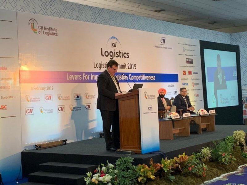 "Konferences ""Logix India"" laikā."