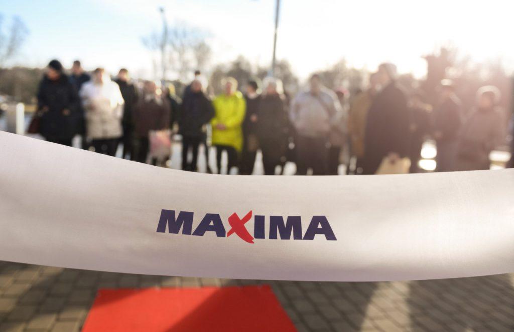 """""""Maxima"""" veikala atklāšana."""