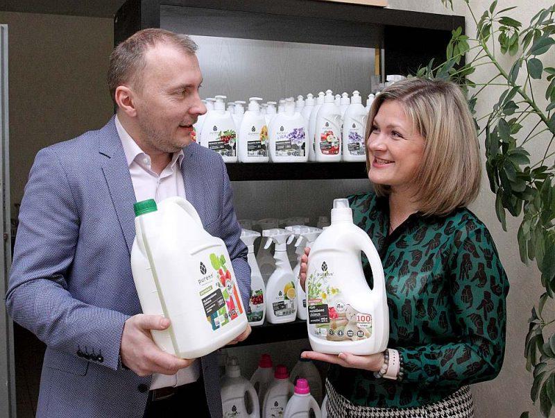 """SIA """"Purenn"""" saimnieki Agate un Kristaps Kanči: """"Jauna tendence nozarē ir refill jeb atkārtota uzpildīšana. Klientiem sakām – nemetiet ārā pudeli, nāciet un uzpildiet vēlreiz!"""""""