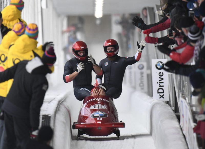 Rūdija Rinaldi četrinieks pēc dramatiskā brauciena finiša.