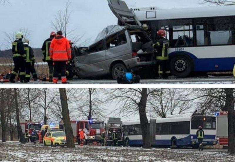 """Pie Voleriem sadursmē ar """"Rīgas satiksmes"""" autobusu dzīvību zaudējuši 2 cilvēki, vairāki cietuši, 23.02.2019."""