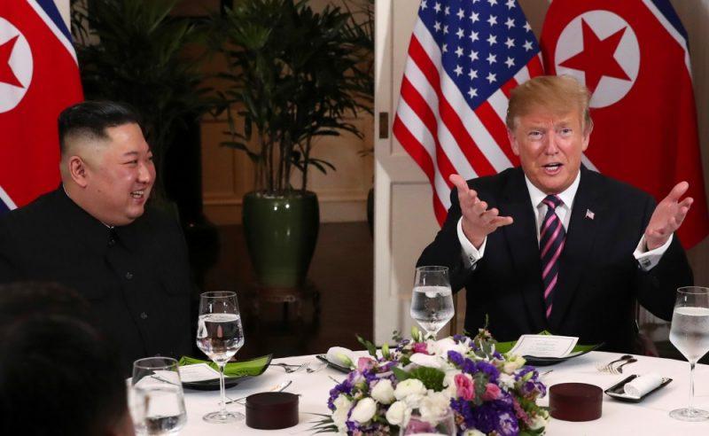 ASV prezidents Donalds Tramps trešdien Vjetnamas galvaspilsētā Hanojā ticies ar Ziemeļkorejas līderi Kimu Čenunu, 27.02.2019.