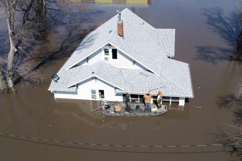 ASV skāruši spēcīgi plūdi.