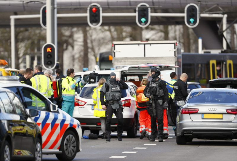 Nīderlandes pilsētā Utrehtā apšaudē  nogalināti vairāki cilvēki.