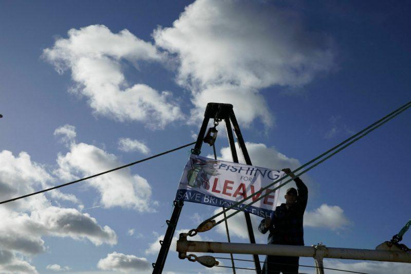 """Anglijā atbalsta demonstrāciju """"Breksitam"""" sarīkojuši zvejnieki."""