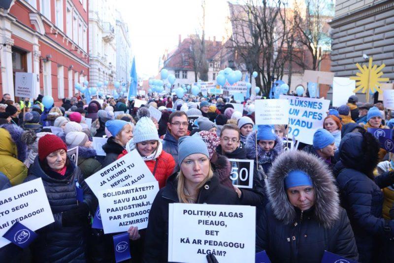 Skolotāju pikets pie Saeimas, 20.03.2019.