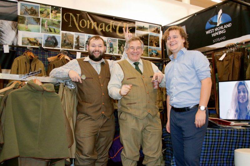 Kopā ar kolēģiem efektīvu apgērbu stendā no Lielbritānijas – Nomad UK
