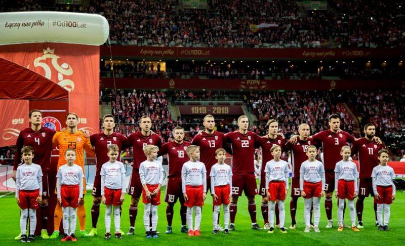 Latvijas futbola izlase pirms spēles Varšavā pret Poliju.