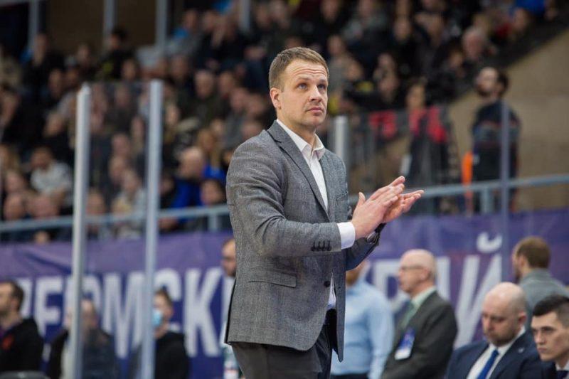 """""""VEF Rīga"""" galvenais treneris Jānis Gailītis."""