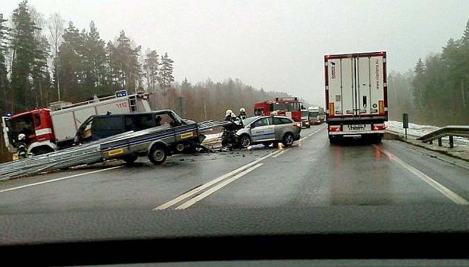 Uzreiz pēc avārijas 2016. gada 15. novembrī satiksme uz Jelgavas apvedceļa pilnībā tika bloķēta.