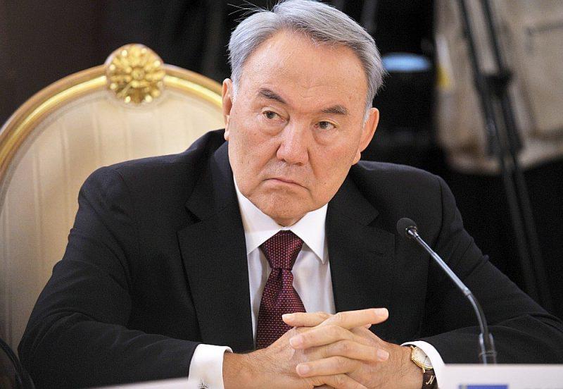 Analītiķu ieskatā, par Kazahstānas prezidenta Nursultana Nazarbajeva ievērojamāko mantojumu varētu kļūt viņa lēmums pašam atstāt prezidenta amatu, iezīmējot jaunu precedentu varas maiņā Vidusāzijas valstīs bez vardarbības un politiskiem satricinājumiem.