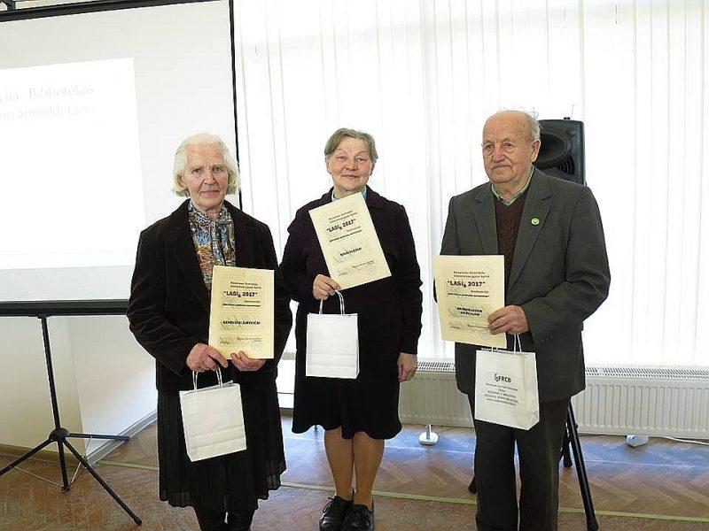 Aktīvākie bibliotēkas pasākumu apmeklētāji rēzeknieši Genovefa Jureviča, Ņina Vucina un Broņislavs Kravaļs.